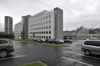 Exteriér Fakulty informatiky STU