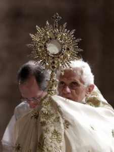 Pápež procesia