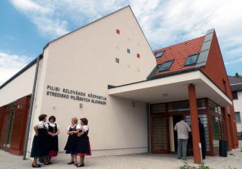 Budova strediska pilíšskych Slovákov v Mlynkoch