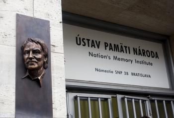 Cieľom Ústavu pamäti národa nie je pranierovať zlo v našej minulosti, ale nezabudnúť