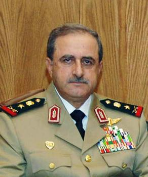 Daúd Radžá, sýrsky minister obrany prišiel o život pri dnešnom samovražednom útoku