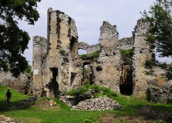 Hrad vo Vinnom zbúrali v 18. storočí rakúske vojská
