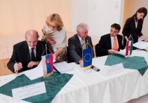Igor Furdík (vľavo), Ján Fuzik (v strede), Csaba Latorcai (vpravo)