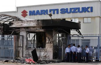 Konflikt zamestnancov s vedením automobilky skončil smrťou, zraneniami a škodami na majetku