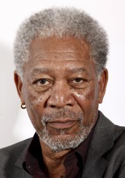 Morgan Freeman podporuje prezidentského kandidáta tmavej pleti