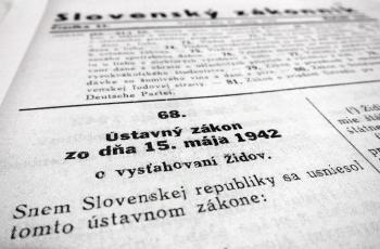 Na Slovensku sme zbavovali občianstva prvýkrát 1942. Je smutné, že sa k tomuto zvyku vraciame znova.