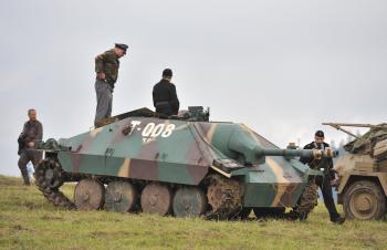 Nemecký Hetzer-tank so sklopeným pancierom, pevným kanónom a pohyblivým guľometom sa stal strašnou zbraňou posledných mesiacov vojny