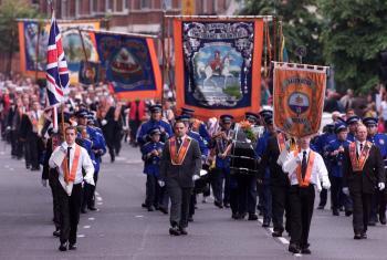 Oranžisti si 12. júla pripomínajú víťazstvo protestanta Viliama III. nad katolíkom Jakubom II.