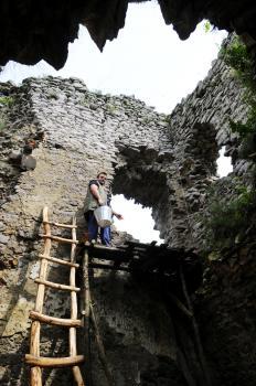 Len pôvodné stavebné techniky a obetavá práca