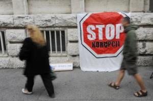 Protest pred budovou GP SR
