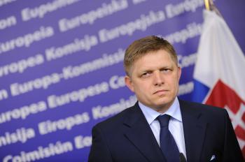 Robert Fico včera povedal, že si cení slovenskú zvrchovanosť a zajtra ju už odovzdáva Bruselu