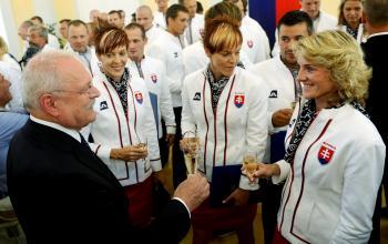 Všetci veríme, že dôvodov na štrnganie šampanským bude po olympiáde tiež dosť