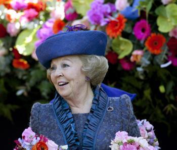 Holandská kráľovná Beatrix  sa usmieva