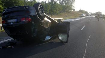 Prevrátené BMW Evy Varholíkovej Rezešovej