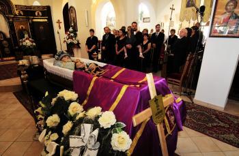 Svätou liturgiou sa dnes ráno v Katedrálnom chráme svätého kniežaťa Alexandra Nevského v Prešove začala posledná rozlúčka