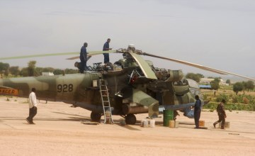Ugandský bojový vrtuľník Mi-24 sovietskej výroby, ktorému sa podarilo pristáť v Keni, pričom ostatné sa stratili