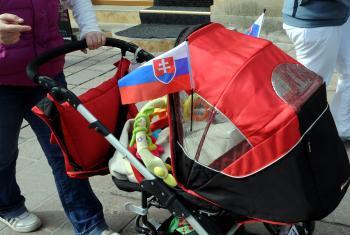 Dieťa v kočíku je o  to zraniteľnejšie, že jeho možnosť pohybu a úniku je obmedzená
