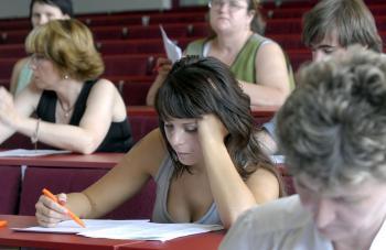 Externí študenti sa musia obrniť väčšou trpezlivosťou, ak novela prejde parlamentom