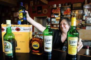 Každá druhá fľaša tvrdého na severnej Morave nepochádzala od originálneho výrobcu