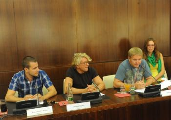Z organizačného tímu: moderátor Ivan (Binďo) Bindas, herec Richard Stanke, režisér Nikita Slovák a sochárka Jana Brisudová