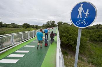 Most do Rakúska z Devínskej Novej Vsi už užívajú cyklisti aj chodci