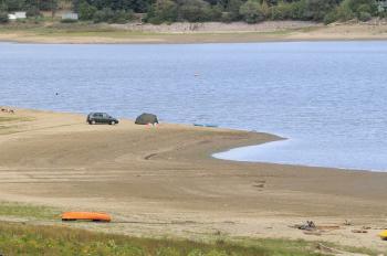 Nízka hladina vodnej nádrže sa podpísala na katastrofálnej turistickej sezóne
