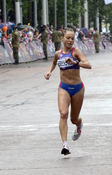 Naša olympionička Katarína Berešová venovala svoje víťazstvo v košickom nočnom behu druhej v poradí