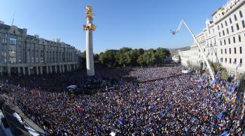 Opozičnej demonštrácie zúčastnilo približne 200.000 ľudí