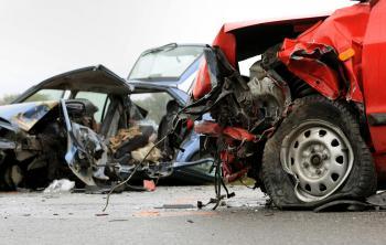 Podľa návrhu zákona sa má do áut montovať signalizačné zariadenie upozorňujúce na dopravnú nehodu