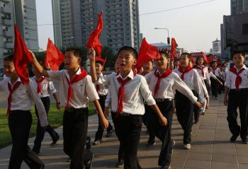 Povinná školská dochádza sa pre severokórejskú mládež predlžuje
