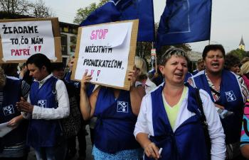 Protestný pochod prepustených zamestnancov spoločnosti Slotex Fashion 6. septembra 2012 vo Vranove