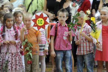 Prvý školský deň sa začal aj pre 94 prvákov na Základnej škole Hodžova v Trenčíne