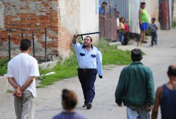 Rómske občianske hliadky v Partizánskom nestačia