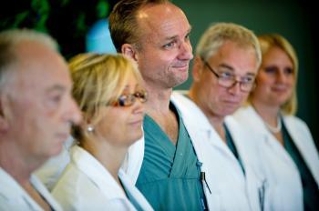 Tím švédskych specialistov, ktorí transplantovali maternice z matiek ich dcéram