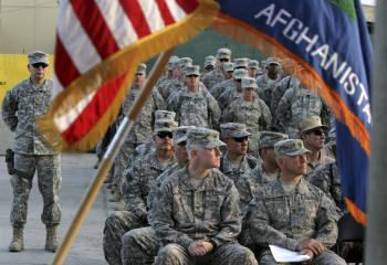 Vojakov NATO v Afganistane začínajú zabíjať afgánske bezpečnostné sily, na ktorých výcvik a vyzbrojenie vynaložili miliardy