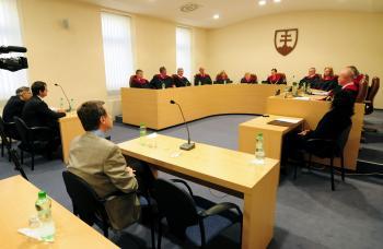 Zasadnutie ústavného súdu na tému verejnej voľby generálneho prokurátora sa tiahne donekonečna