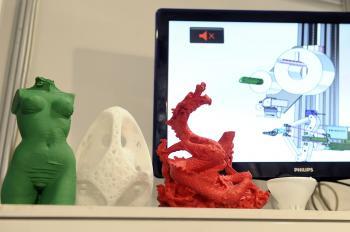 3D tlačiareň predvedená na veľtrhu dokáže vytlačiť prakticky akýkoľvek tvar