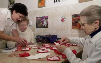 Bez pomoci sociálnych sestier sa nezaobídu naši najstarší spoluobčania, ale nielen oni