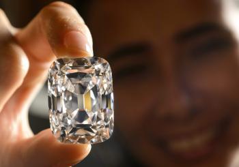 Diamant nazvaný Arcivojvoda Jozef váži 76 karátov a jeho cenu odhadujú vyše 15 miliónov dolárov