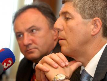 Dlhoroční partneri sa rozišli, keď Bugár bol viac za spoluprácu so Slovákmi, kým Csáky hral výlučne na maďarskú strunu