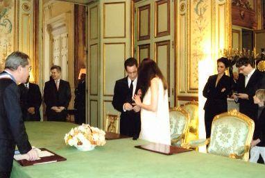 Francois Lebel (vľavo) sobáši prezidentský pár Sarkozy-Bruni
