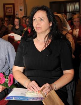 V kategórii remeselníčka bola ocenená Gabriela Ťapuchová z Novák, ktorá šije kroje