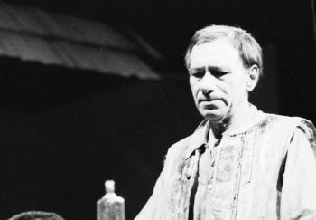 Vo veku nedožitých 90 rokov zomrel dlhoročný herec SND Elo Romančík