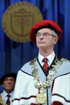 Praktiky rektora Trenčianskej univerzity Ivana Kneppa narazili v Púchove na tvrdú opozíciu