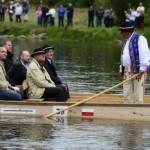 Na snímke prezident SR Ivan Gašparovič (uprostred v popredí) a prezident Poľskej republiky Bronisłav Komorowski (uprostred v pozadí) na poľskej plti počas splavu rieky Dunajec