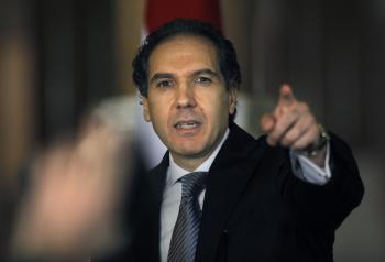 Poradca dočasného egyptského prezidenta Adlího Mansúra Mustafa Hegází