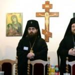 Na snímke prešovský arcibiskup vladyka Rastislav (druhý zľava) a biskup hodonínsky, vikár – pomocný biskup pre správu olomoucko – brnenskej eparchie Jáchym (vľavo), Juraj, arcibiskup michalovsko - košický(vpravo)