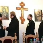 Na snímke novozvolený metropolita, prešovský arcibiskup vladyka Rastislav (vľavo) prijíma gratulácie