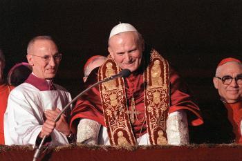 Na snímke z roku 1978 pápež Ján Pavol II