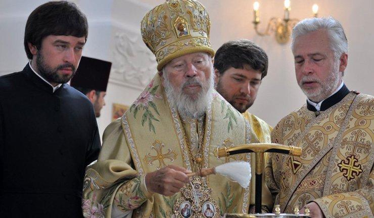 Na snímke kyjevský metropolita Vladimír